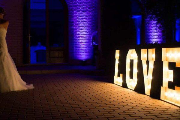 LOVE ILUMINADO BODAS